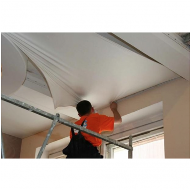 Įtempiamųjų lubų įrengimas aukštyje nuo 3,10 m iki 4,5 m (prie standartinio montavimo kainos)